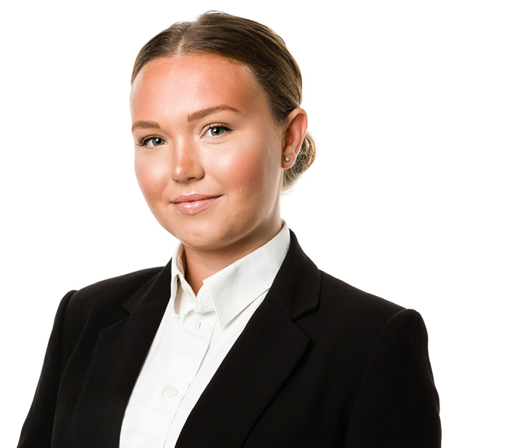 Louise Ostvik Financial Assistant Finance London